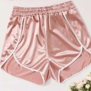 💜5 for 20$💜NWOT Shein Pink Metallic Shorts